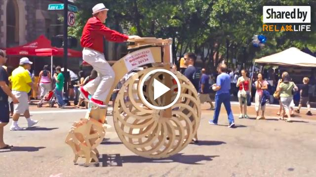 Những chiếc xe đập được thiết kế từ gỗ độc nhất vô nhị